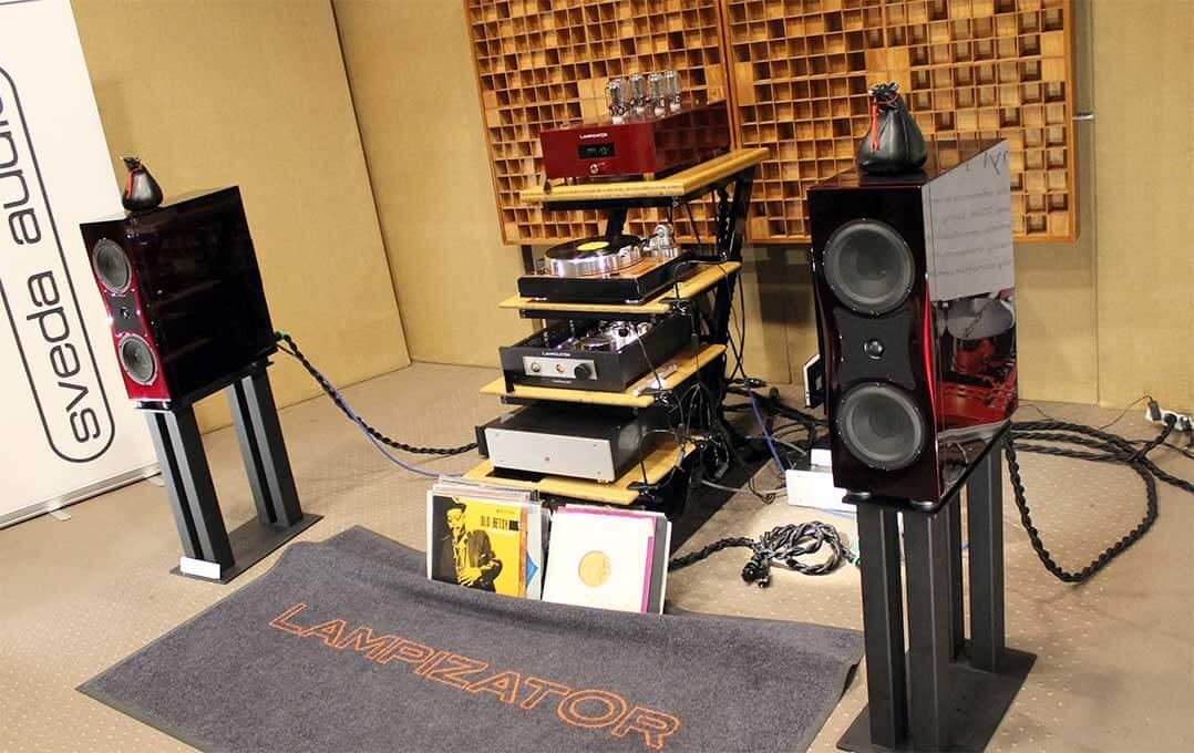 Sveda-Audio-Blipo-Lautsprecher an Lampizator-Elektronik
