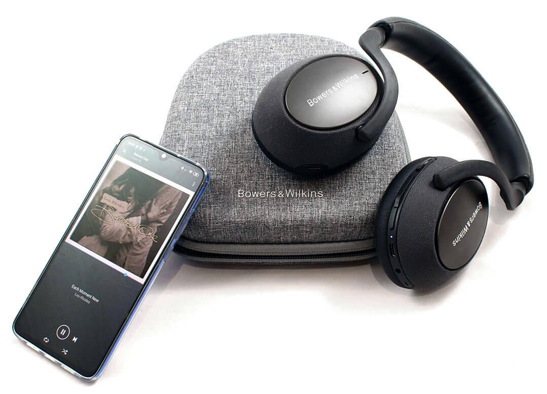B&W PX7 mit Handy