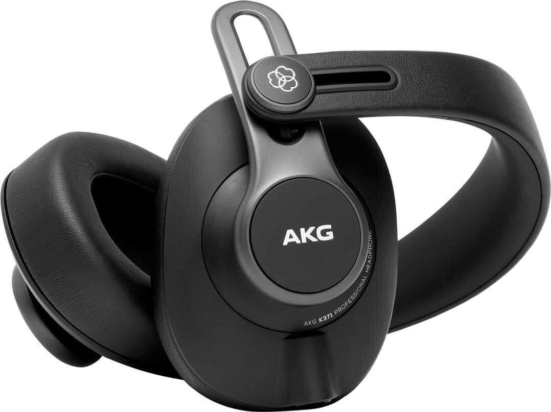 Die Hörmuscheln des AKG K371 lassen sich eindrehen