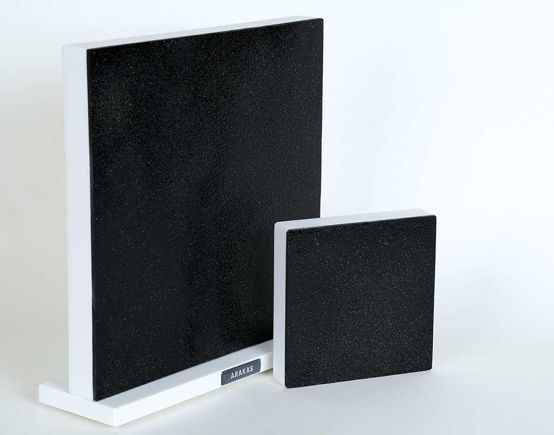 Die quadratischen Akakas-Akustikspiegel in 22 und 11 cm Kantenlänge