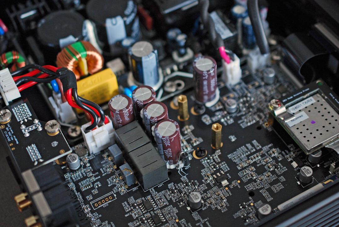 Nubert nuConnect ampX - Innenansicht der Elektronik