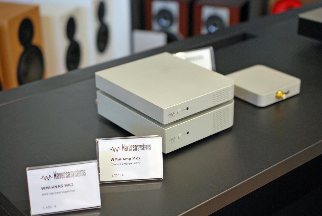 WminiNAS MK2 (1.450 Euro), dem WMini HPA MK2 Netzwerk-DAC und Kopfhörerverstärker (1.950 Euro) sowie dem Digitalverstärker WMiniAmp MK2 (1.750 Euro