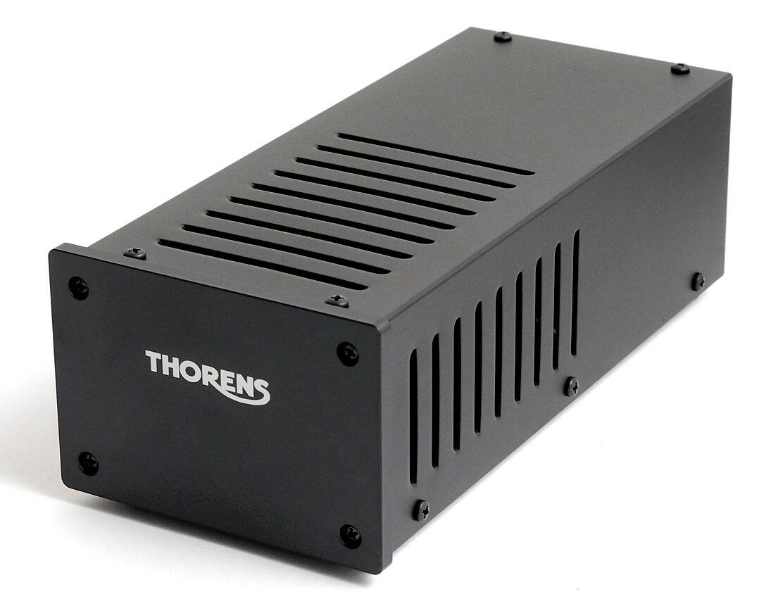Das Netzteil hat Thorens in ein eigenes Gehäuse ausgelagert