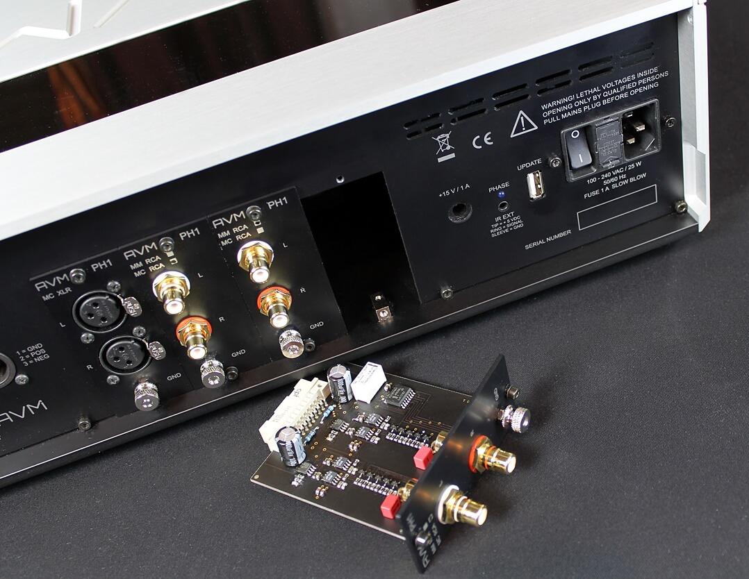 AVM Ovation PH 8.3 - Rückseite mit ausgebautem Modul