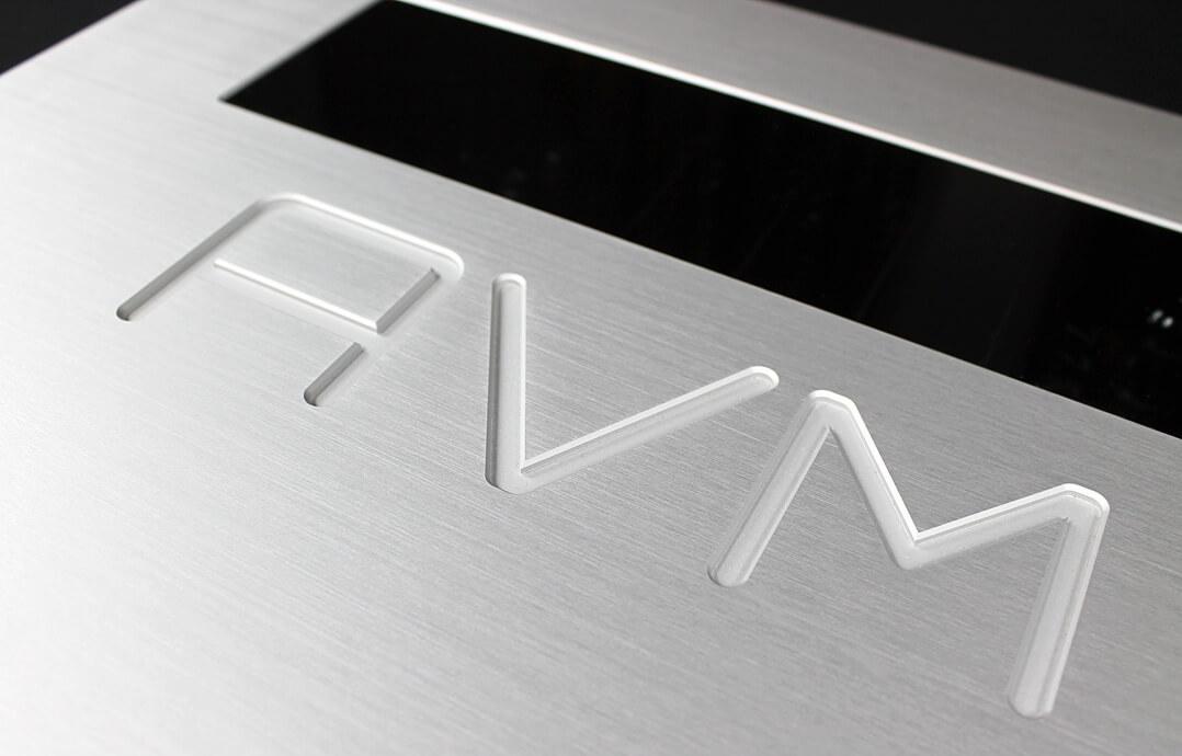 AVM Ovation PH 8.3 - Logo Gravur