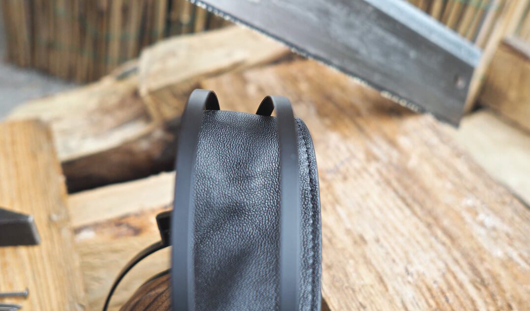 Sendy Aiva Kopfhörer - Bügel von oben