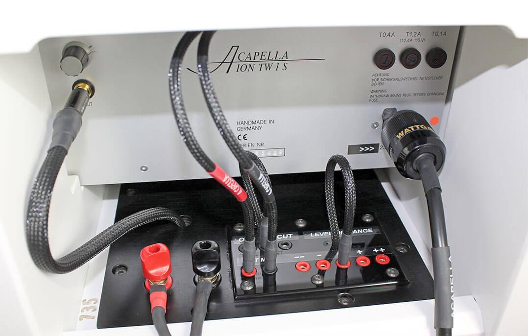 Das Anschlussfeld der Acapella High Cellini lässt einige Anpassungen zu