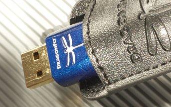 Audioquest Dragonfly Cobalt in der Schutzhülle