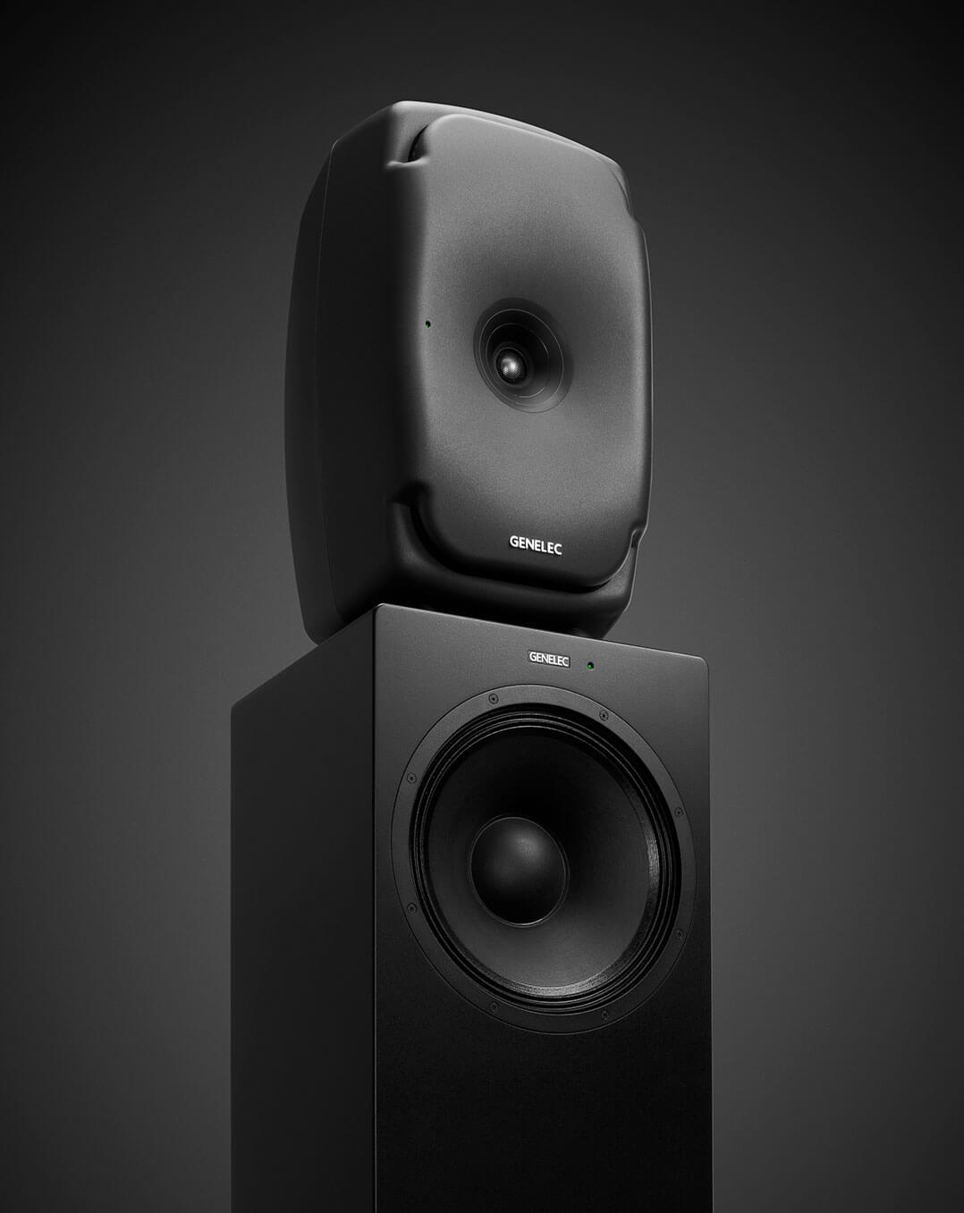 """Wer zusätzlichen Tieftonbedarf verspüren sollte: Genelec bietet mit den W371A entsprechende Unterstützung. Praktischerweise kommen diese """"adaptiven Woofer-Systeme"""", wie die Finnen sie nennen, im Format von Lautsprecherständern und dementsprechend für Stereo-Systeme immer paarweise"""