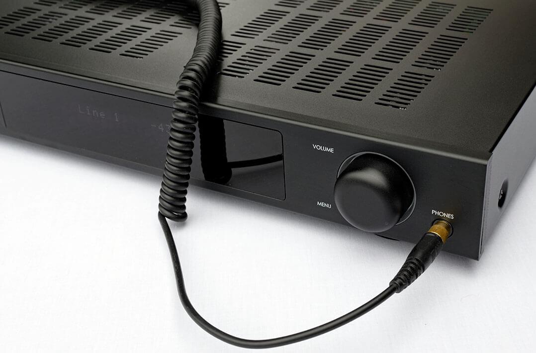 Der IOTAVX SA3 besitzt auch einen Kopfhörerausgang