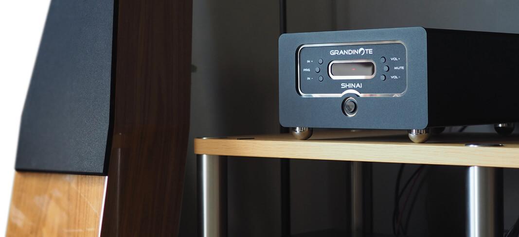 Grandinote Shinai mit QLN-Lautsprecher