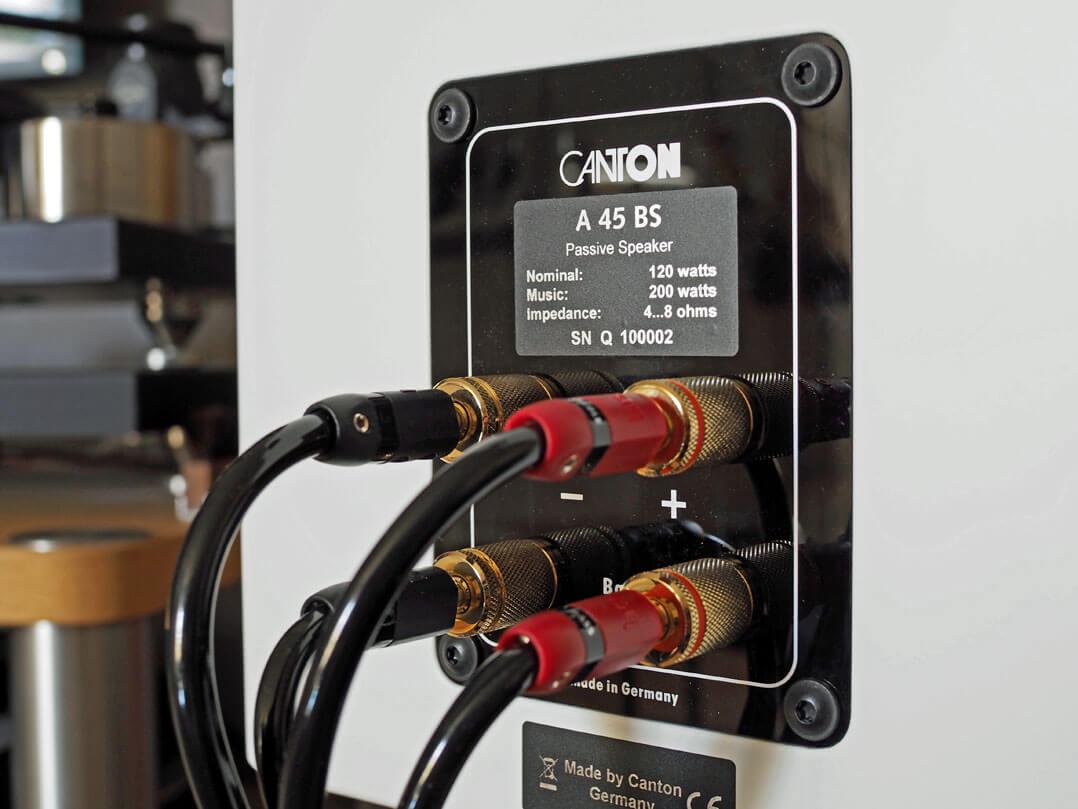 Canton A 45 BS angeschlossen mit Lautsprecherkabeln