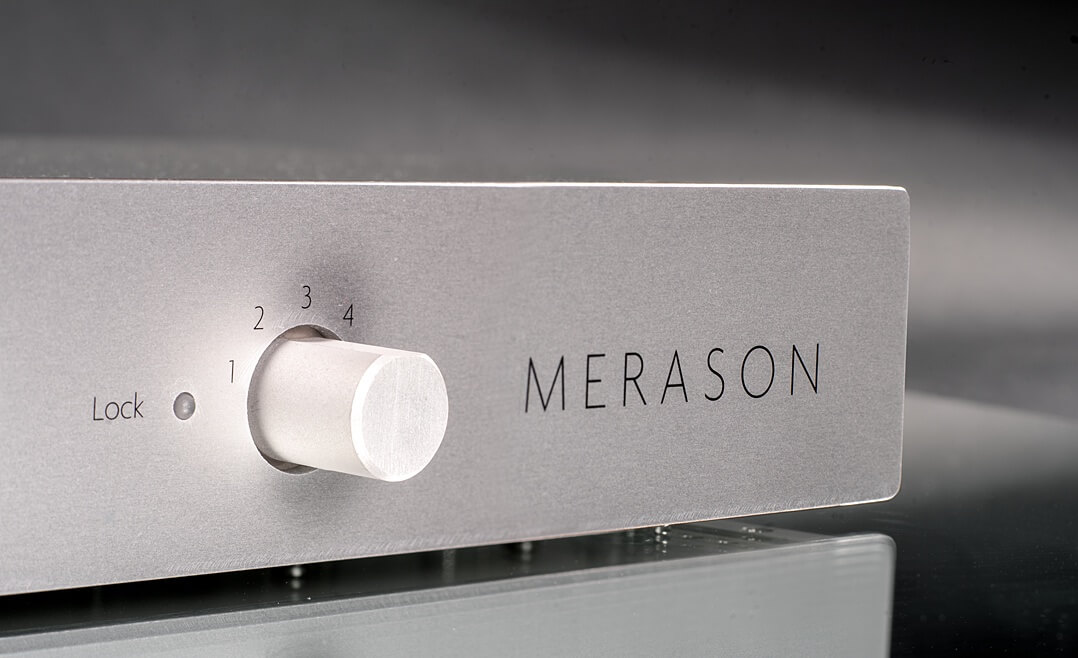 Merason Frérot - Eingangswahlschalter auf der Front