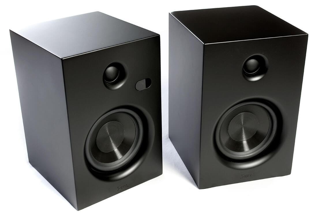 Saxx AS 30 DSP: Die Schallwand ist nur ein paar Zentimeter größer als ein Din-A4-Blatt