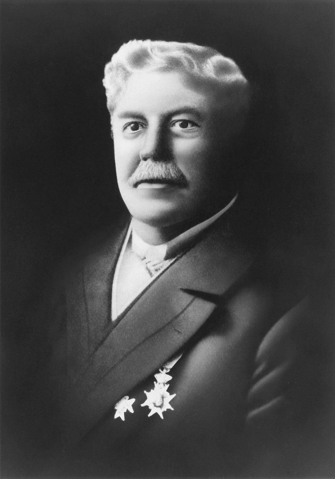 Mitgründer Frederick Whitney Horn