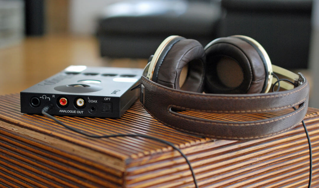 Chord Hugo 2 und 2go mit Over-Ear-Kopfhörer