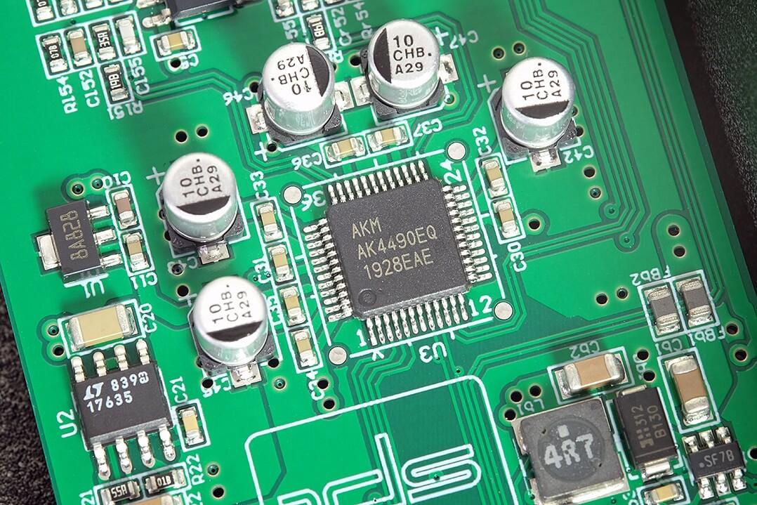 Der DAC-Chip (AKM AK4490) im SPL Phonitor se
