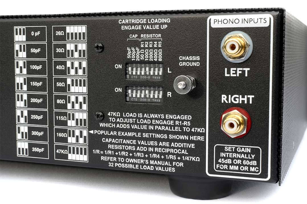 Impedanz- und Kapazitätswerte lassen sich auf der Rückseite des Manley mit DIP-Schalter einstellen