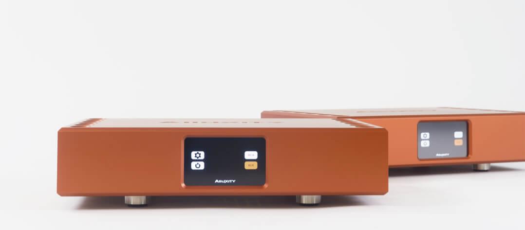 Alluxity Audio - die Geräte gibt es nicht nur in dezenten Farben, sondern auch in Orange