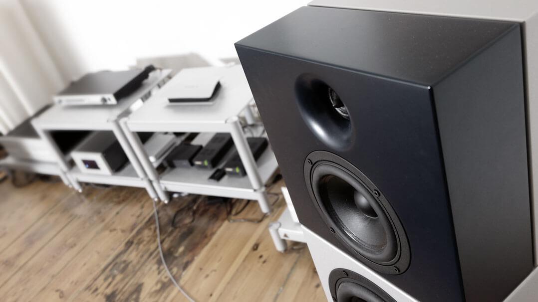 Position von Lautsprecher und Hifi-Rack