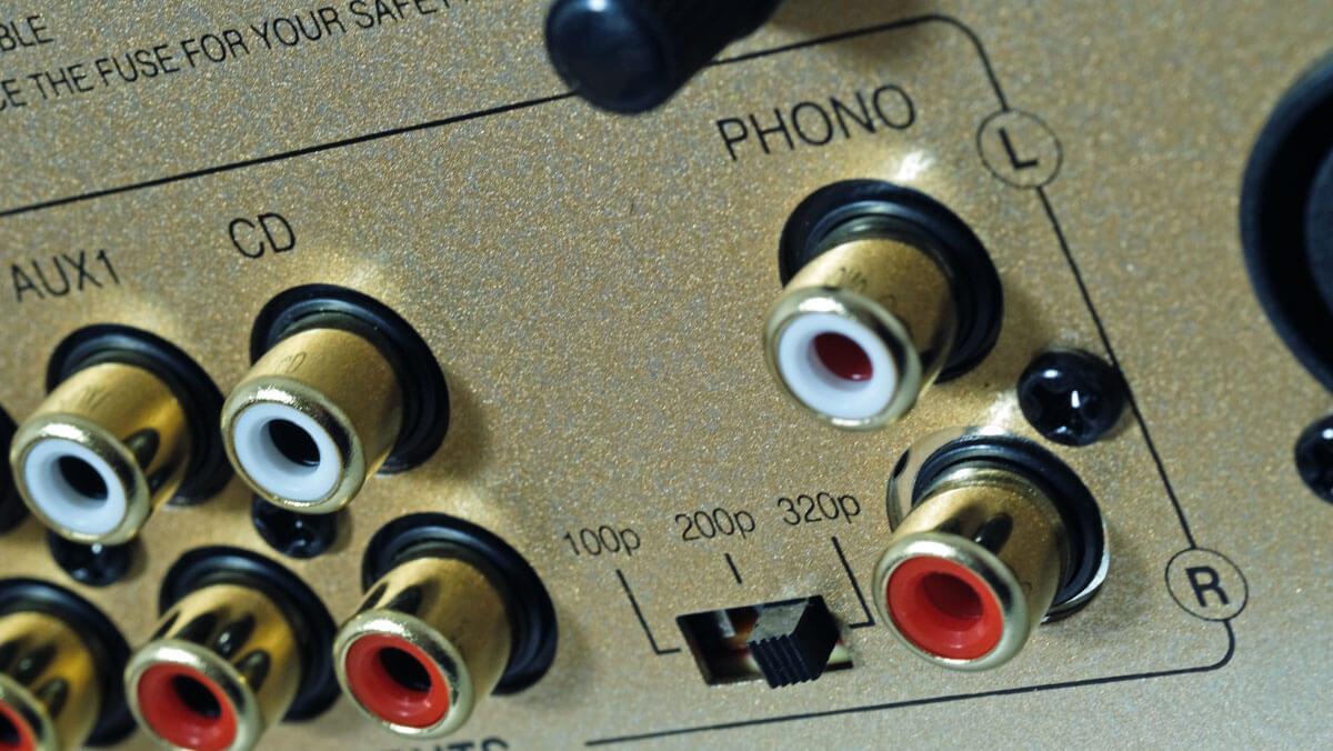 Advance Paris A10 Classic: Phono-Cinch und Impedanz-Einstellung