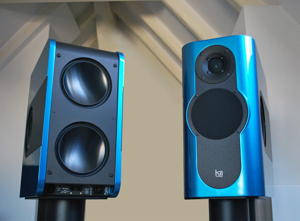 Frische Farben und aktive Lautsprechertechnik: die Kii Three Kompaktlautsprecher