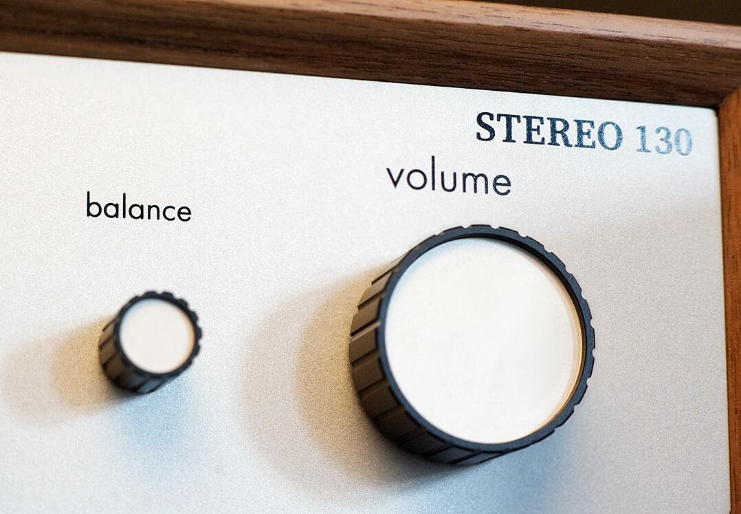 Volume- und Balance-Regler des Leak Stereo 130