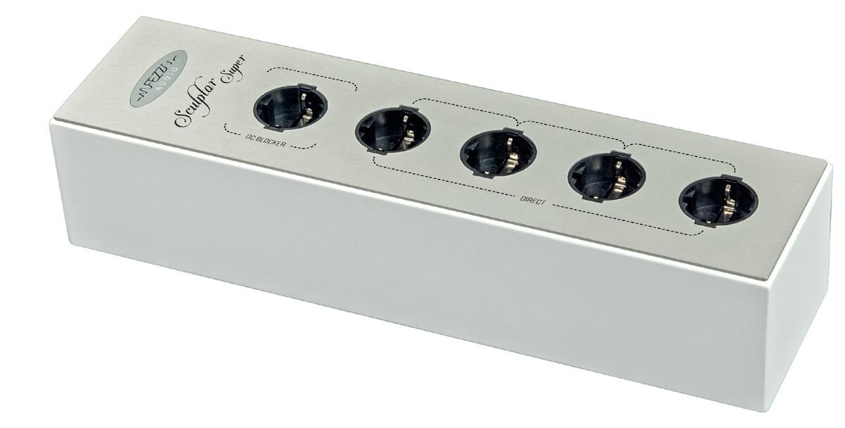 Die Fezz Audio Sculptor Super ist auch in Weiß erhältlich