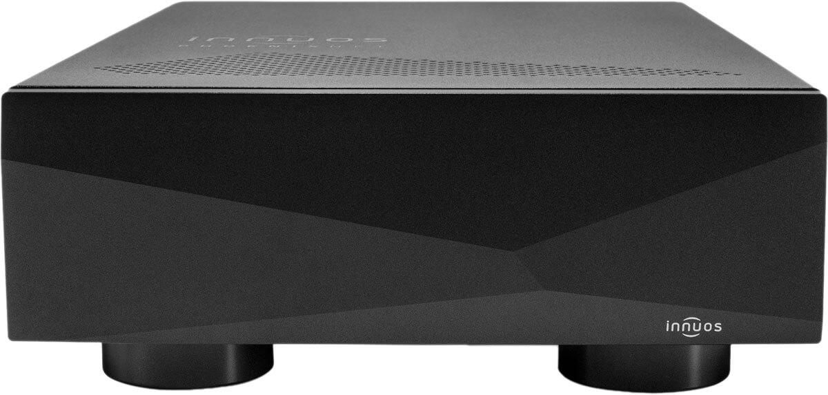 Den PhoenixNET gibt es mit silberner und, wie hier zu sehen, mit schwarzer Frontplatte - in beiden Fällen natürlich inklusive der für Innuos typischen Facetten