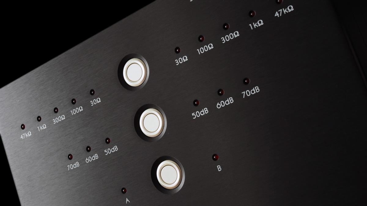 Linnenberg J. S. Bach Phonovorverstärker: Taster & LEDs