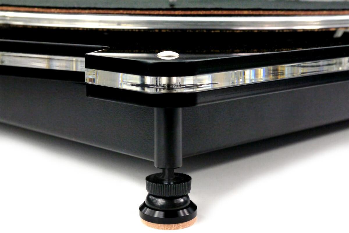 Vertere Acoustics Iso-paws Unterstellfüße am Beispiel des Plattenspielers
