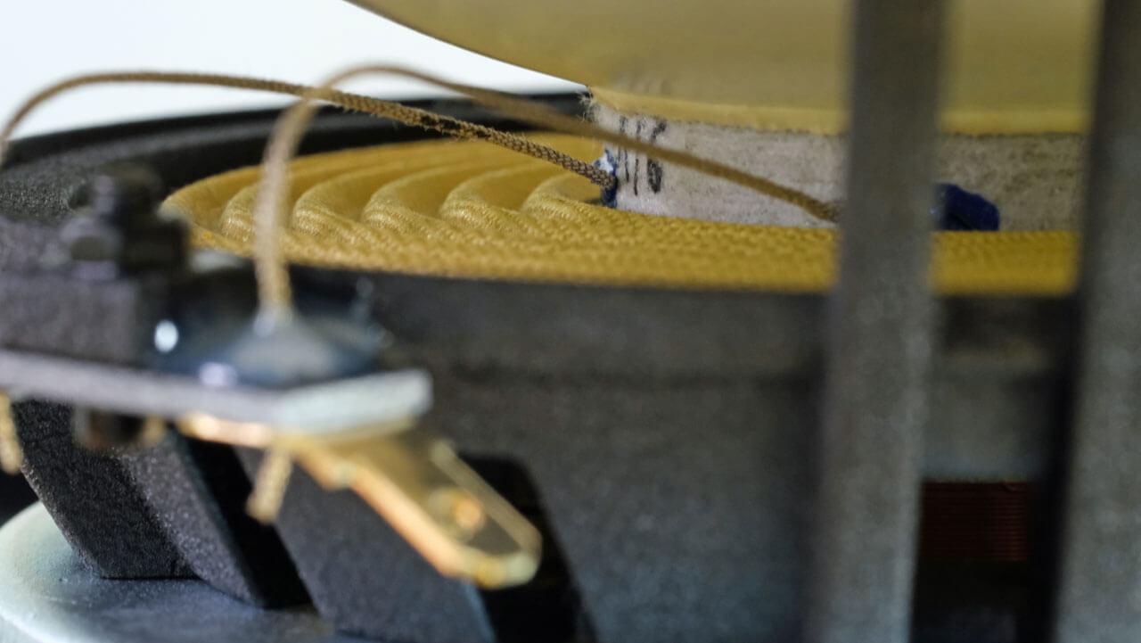 AudiaZ Cadenza: Basstreiber Zentrierspinne