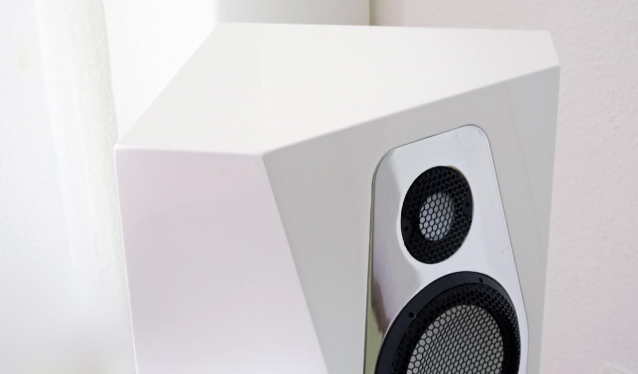 AudiaZ Cadenza: Einbaurahmen des Hoch- und Mitteltöners
