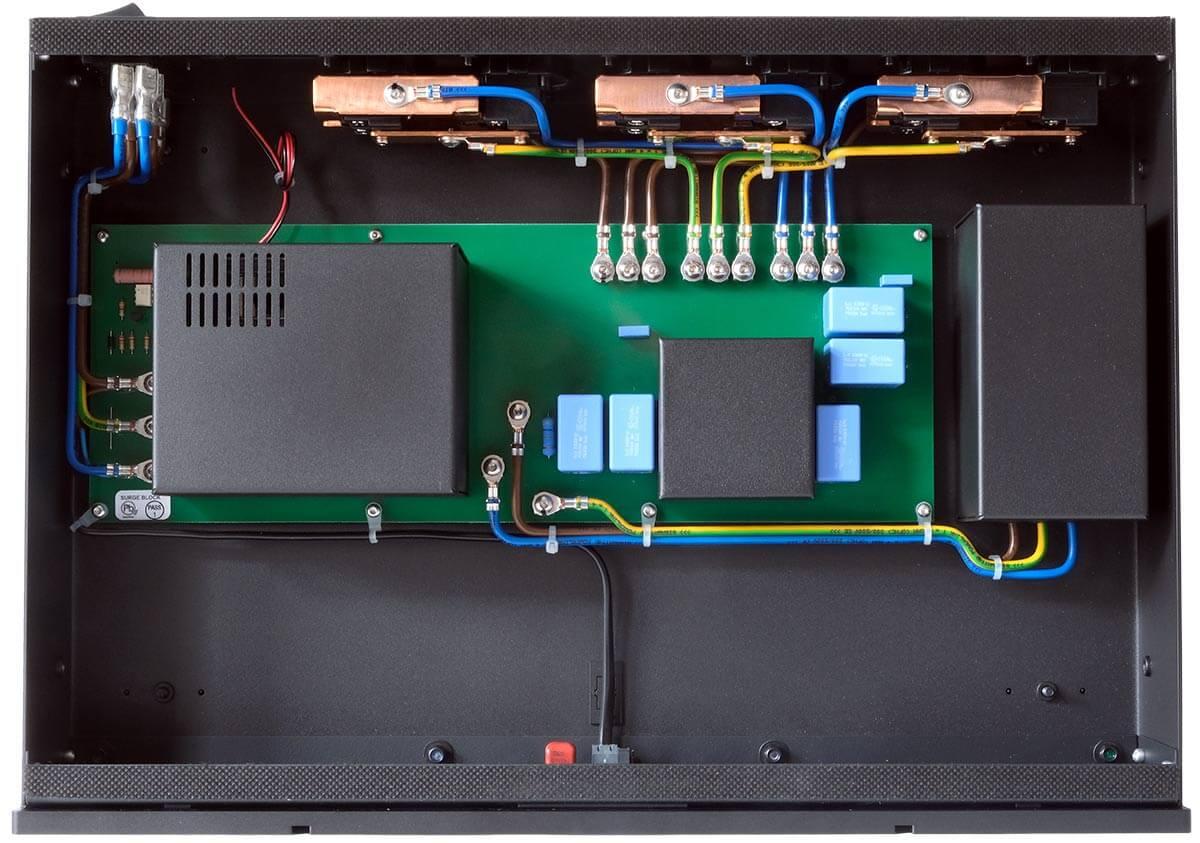 Blick ins Innere des GigaWatt PowerPrime Netzfilters