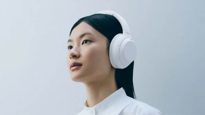 Sony WH-1000XM4 Silent White Edition
