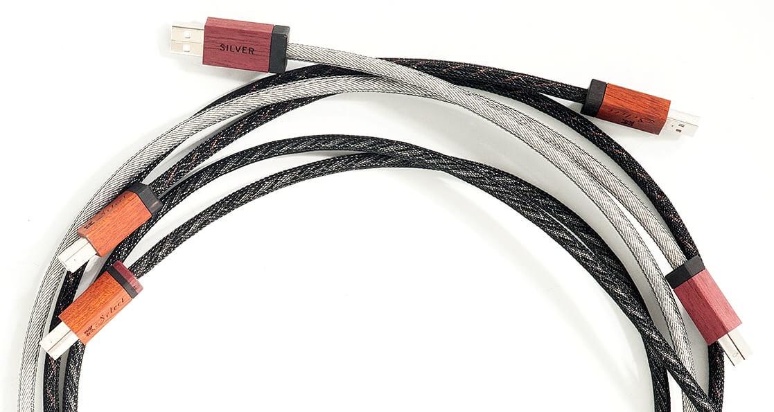 Als Isolationsmaterial dient bei den Kimber-Select-USB-Kabeln aufgeschäumtes, mit Luft aufgepumptes Teflon
