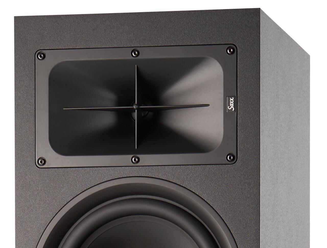 Das Hochtonhorn sorgt nicht nur für einen hohen Wirkungsgrad, sondern soll auch das Abstrahlverhalten des Lautsprechers optimieren