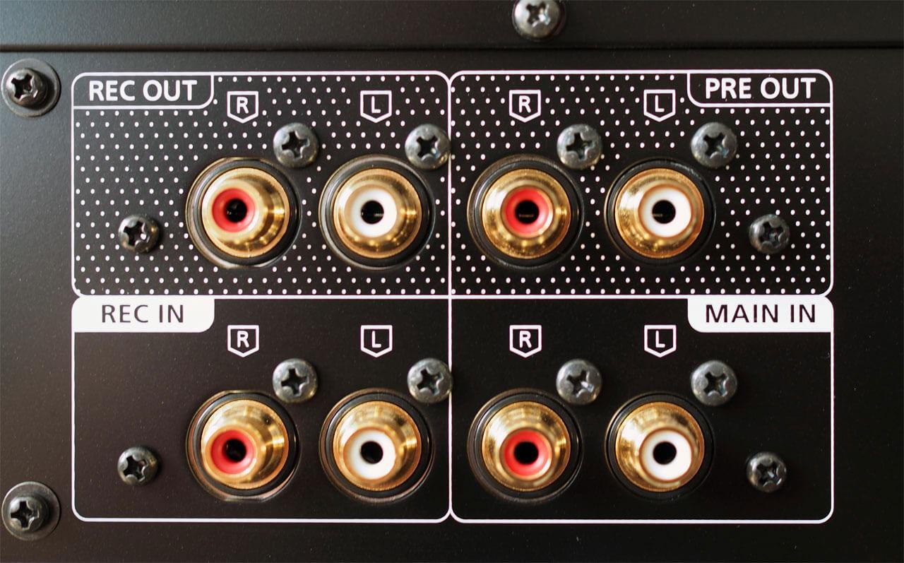 Technics SU-R1000: Cinch-Anschlüsse Pre- und Main-Out sowie Record