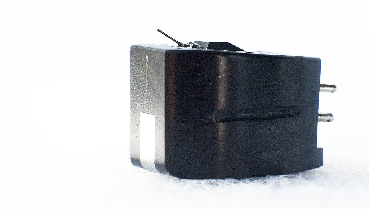 Clearaudio Charisma V2: Einen Nadelträger aus Bor sieht man sonst eher bei MC-Systemen