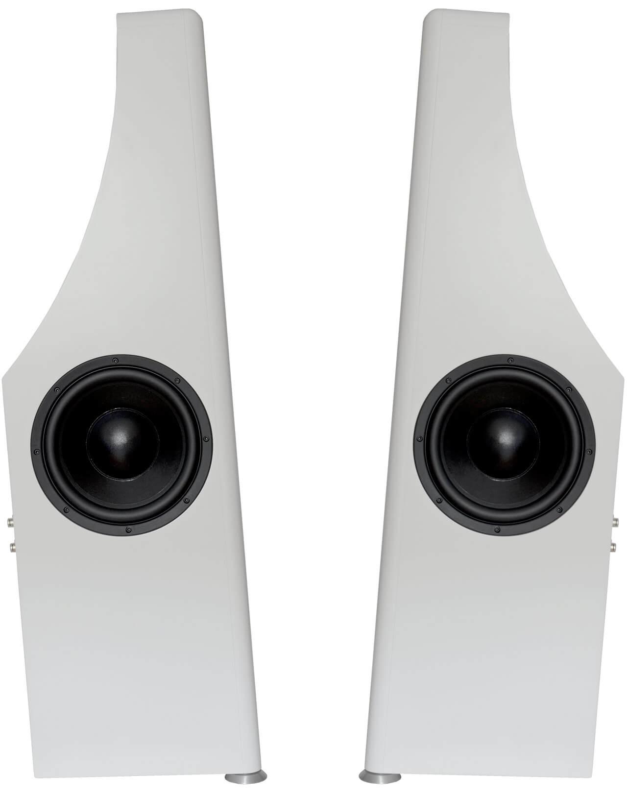 Die Schallwand der Bohne Audio BB-10L ist nach hinten geneigt - die Passivradiatoren wurden seitlich angebracht (je zwei pro Box)