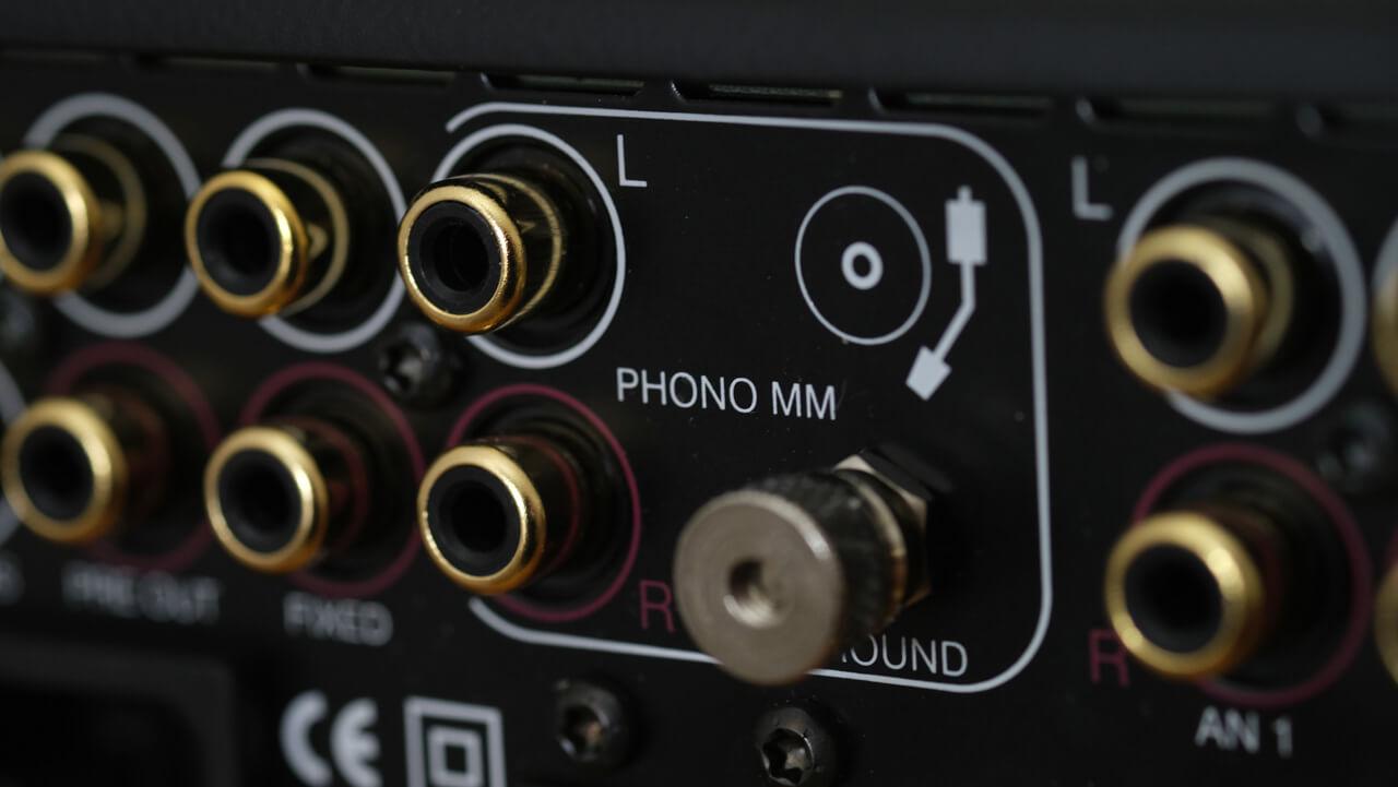 Der Cyrus i9-XR kann auch Phono (MM)