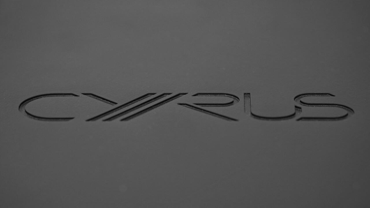 Gravur auf dem Deckel des Cyrus i9-XR