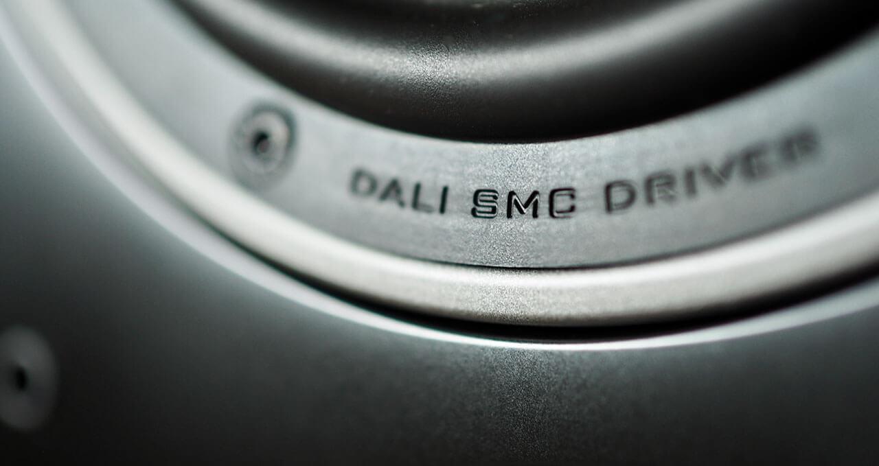 "Dali Oberon 7C: SMC steht für ""Soft Magnetic Compound"""
