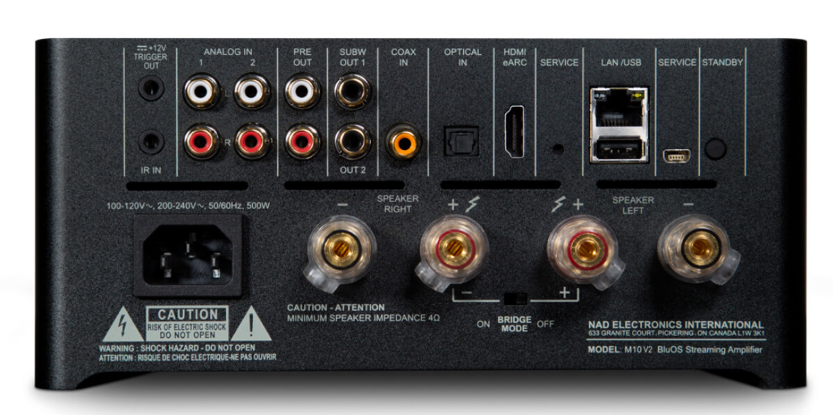 Die Heckpartie des NAD Masters M10 V2: Digitale wie analoge Quellen finden Anschluss