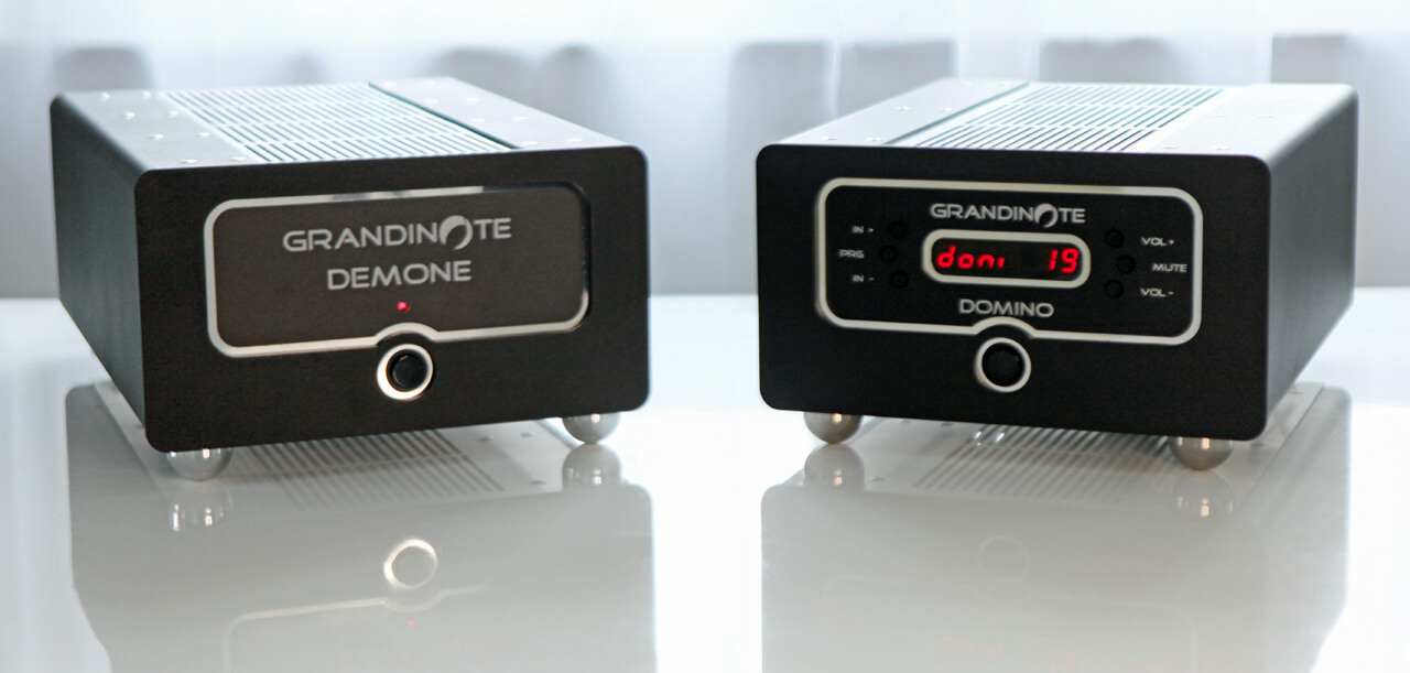 Mono-Endverstärker Grandinote Demone und Vorverstärker Grandinote Domino