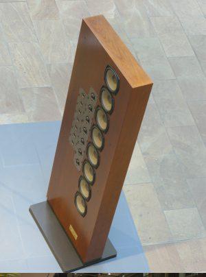 Max Schlundt Ausstellung Grundig Monolith 190