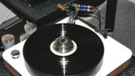 Rossner und Sohn Audition 6 Analoglaufwerk Chameleon StringThing Tonarm Canofer Tonabnehmer 05-11